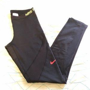Nikepro hyperwarm black leggings